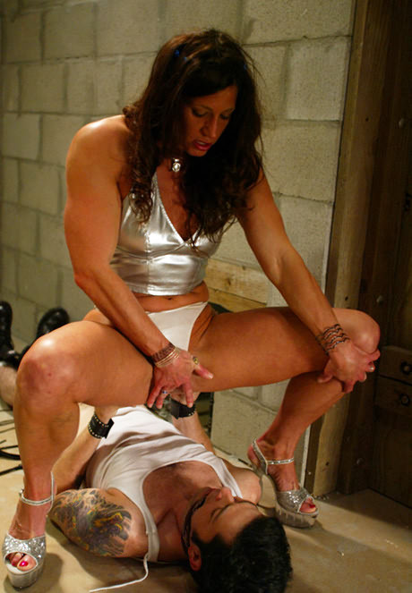 Hot muscular female domination